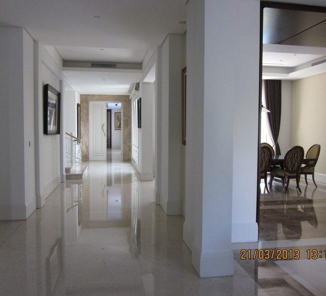 lantai-1-korridor