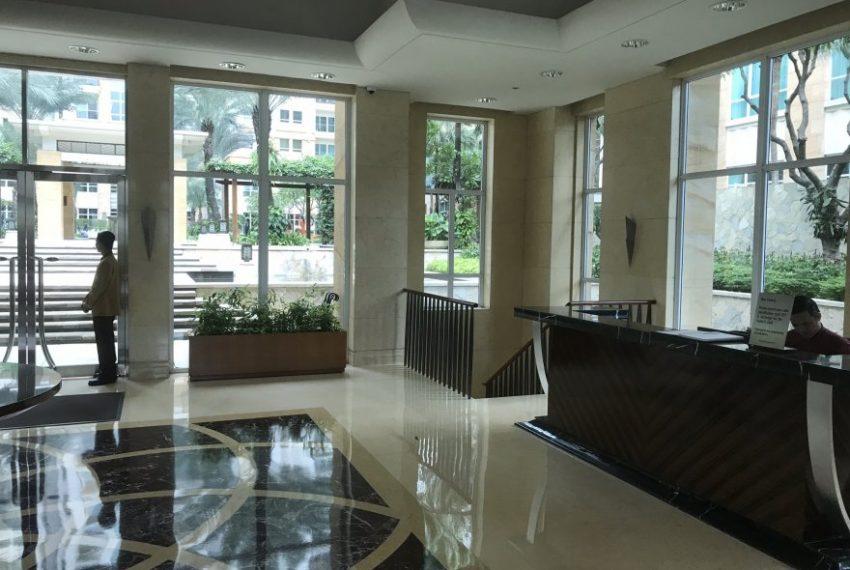 Reception-desk-Pakubuwono-Residence